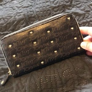 Betsy Johnson Gold heart stud wallet